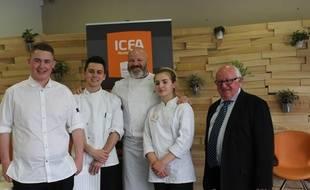Philippe Etchebest entouré d'A. Miranda, d'A. Polge et de Lisa Cagnat Baronti. Sur la droite, C. Sauvage, président de l'ICFA.