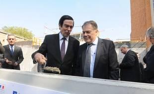 Lille, le 12 septembre 2014 - Pose de la première pierre de l'Institut européen de génomique du diabète (EGID) à l'hôpital Huriez du CHRU de Lille, avec le préfet du Nord, Jean-Francois Cordet (à gauche), et le recteur de l'académie de Lille, Jean-Jacques Pollet.