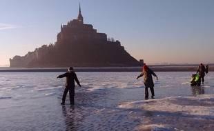 La baie du Mont Saint-Michel a été prise par les glaces le 22 janvier 2017.