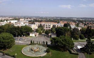 Le quartier de la Roseraie, siege de l'ancien CEAT, et au premier plan l'ancien Ensica