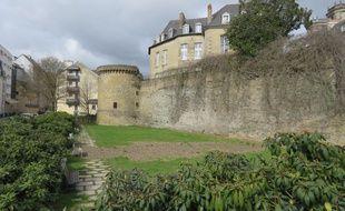 Vue actuelle des remparts à Rennes.