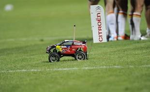 La voiture téléguidée des Dragons catalans.