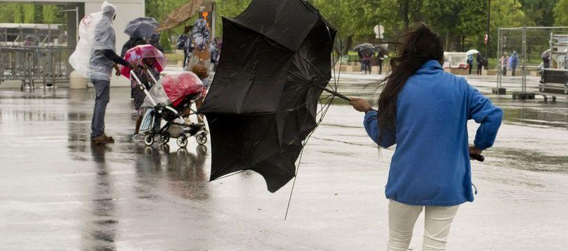 Quatre départements du Sud-Est sont en alerte en raison de vents violents.