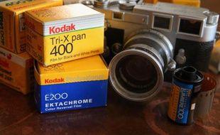 Le groupe américain Eastman Kodak a annoncé que le tribunal des faillites de New York avait approuvé son accord avec son plus gros créancier, le fonds de pension britannique KPP, faisant un pas de plus vers sa sortie de faillite.