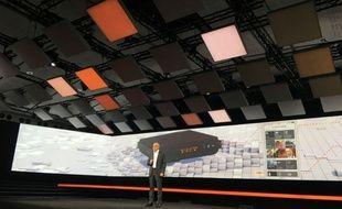 Le PDG d'Orange Stéphane Richard présentant la nouvelle Livebox.