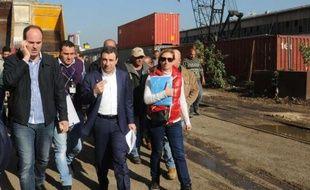 Le ministre libanais de la Santé Waël Abou Faour visite le port de Beyrouth le 29 décembre 2014