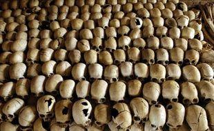 Vue en date du 27 février 2004 des crânes de victimes du génocide rwandais au mémorial de Nyamata