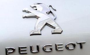 Le constructeur PSA Peugeot Citroën réduit son endettement de 500 millions d'euros après le rachat de plusieurs de ses émissions obligataires