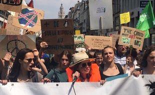 Ils étaient plus d'un millier de jeunes à défiler pour le climat vendredi à Lille.