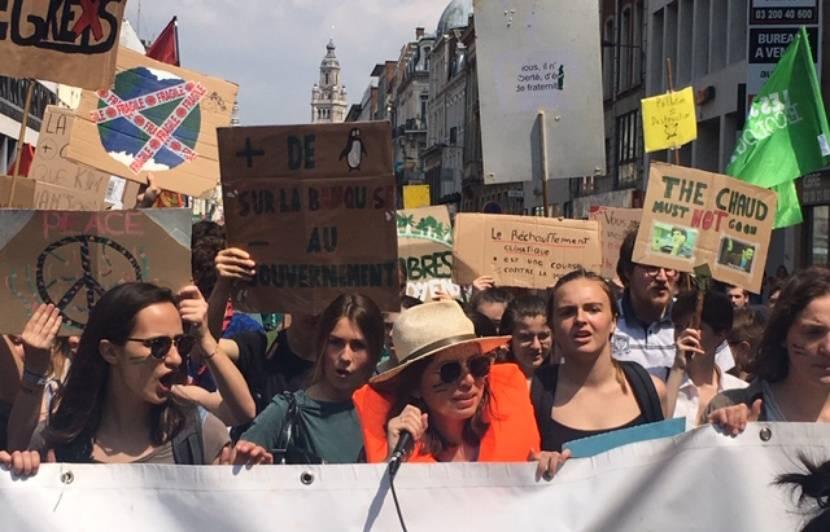 VIDEO. Lille: Un millier de jeunes ont manifesté à Lille pour le climat
