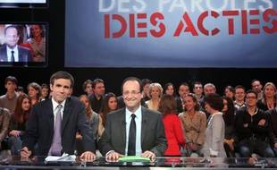 François Hollande sur le plateau de l'émission «Des paroles et des actes», le 15 mars 2012.