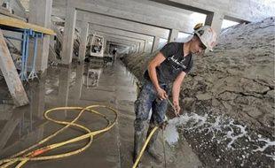 Le parcours est désormais creusé sous le quai de la Fosse et sera bientôt hors d'eau.