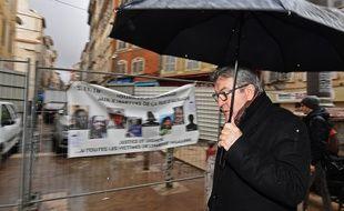 Jean-Luc Mélenchon lors d'une visite rue d'Aubagne