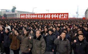 """Plus d'une centaine de milliers de soldats et de civils se sont rassemblés à Pyongyang pour célébrer l'essai nucléaire nord-coréen effectué cette semaine et fêter le courage """"sans pareil"""" du dirigeant Kim Jong-Un, ont indiqué vendredi les médias officiels."""