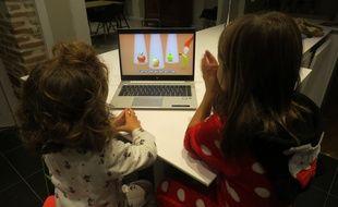 """La chaîne YouTube """"Les Patapons"""" diffuse des comptines pour les enfants âgés de 6 mois à 7 ans."""