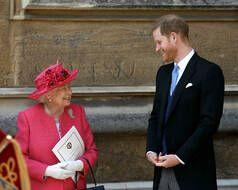 La reine Elizabeth et le duc de Sussex, Harry, en 2019.