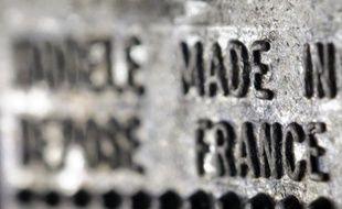 Le déficit commercial de la France s'est creusé de plus d'un milliard d'euros en août, à 5,3 milliards, sous l'effet notamment d'un rattrapage des importations par rapport au faible niveau de juillet, a annoncé mardi la ministre du Commerce extérieur Nicole Bricq sur LCI.