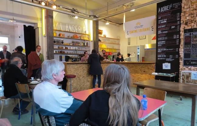 L'intérieur du café solidaire, la Lingerie