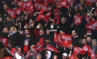 Des supporters lillois dimanche au stade Pierre Mauroy