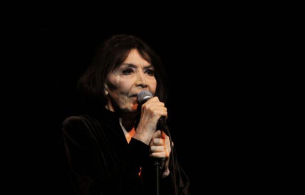 La chanteuse française Juliette Gréco sur scène au 39e festival du Printemps de Bourges, le 24 avril 2015 – GUILLAUME SOUVANT AFP