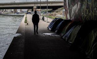 L'ONG Human Right Watch dénonce l'accueil des mineurs migrants isolés à Paris.