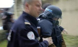 Christian Beaulieu, 57 ans, accusé d'avoir violé et tué Mathias, 4 ans, en mai 2006 à Moulins-Engilbert (Nièvre), s'est montré peu bavard lundi, au premier jour de son procès devant la cour d'assises de la Nièvre à Nevers.