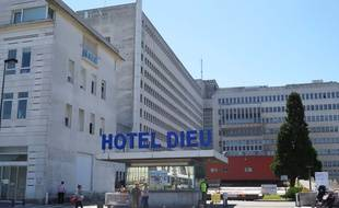 Le bâtiment Hôtel-Dieu du CHU