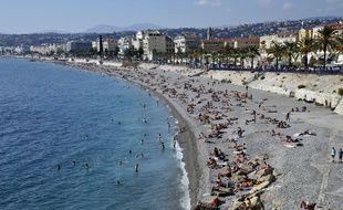Octobre aussi se révèle particulièrement doux. La preuve à Nice, le 19 octobre 2014, où les plages étaient bien fréquentés pour cette période de l'année. BRUNO/SIPA
