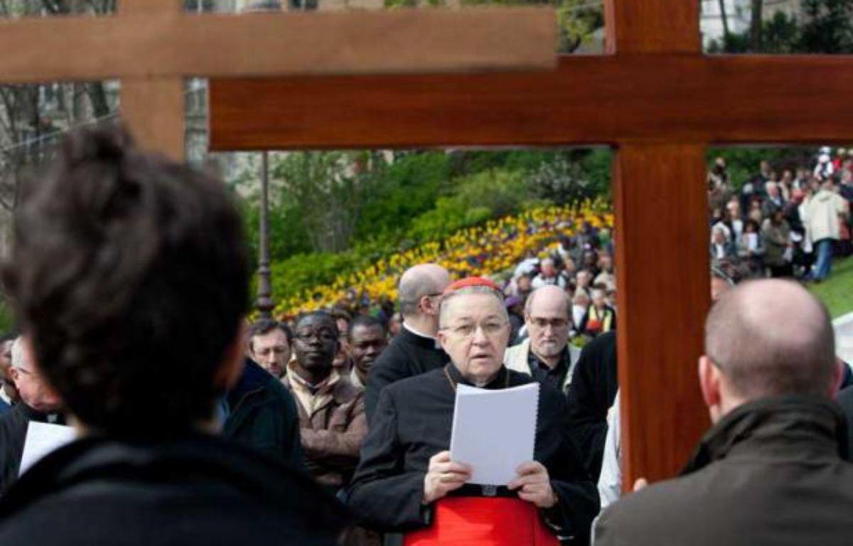 Le cardinal André Vingt-Trois, président de la Conférence des évêques de France, le 6 avril 2012, lors d'une procession pour le vendredi saint à Montmartre.  – REVELLI-BEAUMONT/SIPA