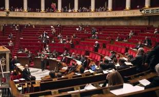 Les députés ont adopté mercredi la mesure phare du projet de loi sur la consommation, la possibilité pour des consommateurs s'estimant lésés d'intenter des actions de groupe afin de demander réparation des préjudices subis, une première en France.