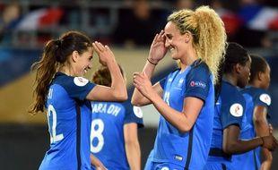 Amel Majri et Kheira Hamraoui à l'Euro 2017.