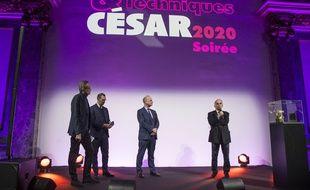 Le président  de l'Académie des César, Alain Terzian (au micro) le 7 janvier 2020.