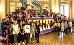 Répétitions de l'opéra participatif La Légende du Roi Dragon, avec 200 enfants bordelais, à l'Opéra de Bordeaux.