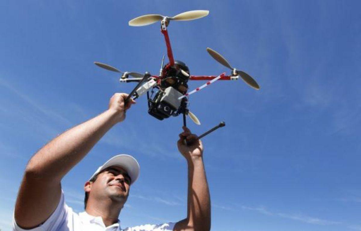 La France vient d'adopter une réglementation, très attendue par l'industrie aéronautique, réglementant l'utilisation de drones civils dans l'espace aérien, jusqu'à présent interdite. – Patrick Bernard afp.com