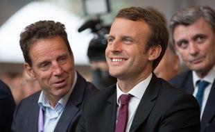Geoffroy Roux de Bézieux et Emmanuel Macron à Jouy-en-Josas le 27 août 2015.