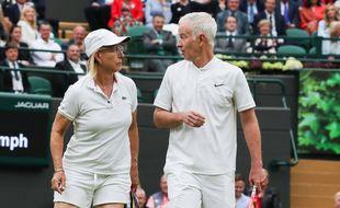 John McEnroe et Martina Navratilova, lors d'un double à Wimbledon.