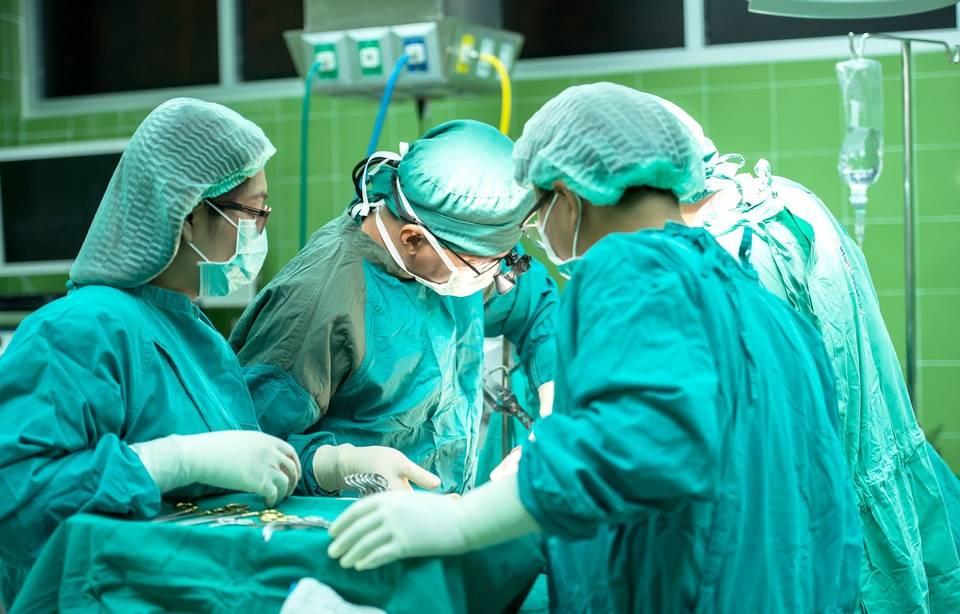 Des casques de réalité virtuelle pour effectuer des anesthésies sous hypnose 960x614_strasbourg-casques-realite-virtuelle-effectuer-anesthesies-sous-hypnose-illustration