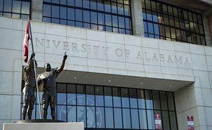 Depuis qu'elle a rouvert, l'université d'Alabama a enregistré près d'un millier de cas de Covid-19.