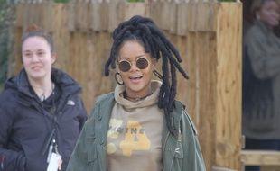La chanteuse et actrice Rihanna sur le tournage d'Ocean Eight à New York