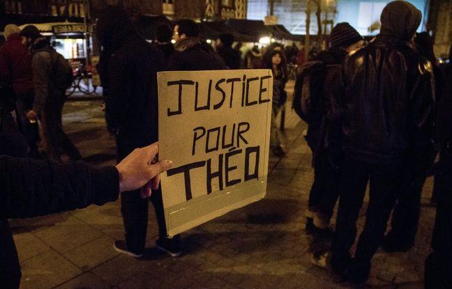 Un peu moins de 200 personnes étaient rassemblées jeudi 9 février à Rennes, en soutien à Théo, jeune homme victime de violences lors de son interpellation à Aulnay-sous-Bois.