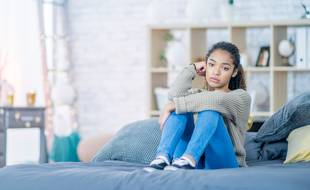 Près de la moitié des jeunes de 18 à 30 ans ont perdu des amis depuis le premier confinement.