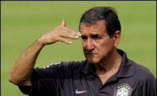 """Le quart de finale du Mondial-2006 de football entre le Brésil et la France """"ne sera pas une revanche"""" de la finale de 1998 qui avait sacré les Français (3-0), a affirmé mercredi le sélectionneur brésilien Carlos Alberto Parreira."""