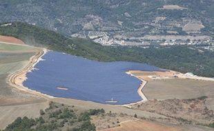 Le parc solaire des Mées, près d'Aix en Provence.