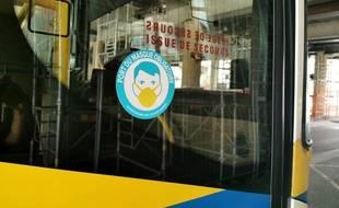 Le port du masque obligatoire dans les bus