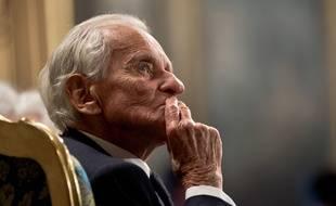 Un hommage national est rendu à l'écrivain et académicien Jean D'Ormesson le 8 décembre 2017.