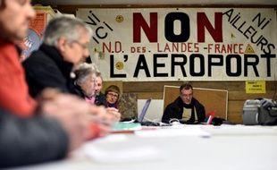 Des représentants d'associations opposées à l'aéroport de Notre-Dame-des-Landes, le 5 janvier 2016 à Notre-Dame-des-Landes