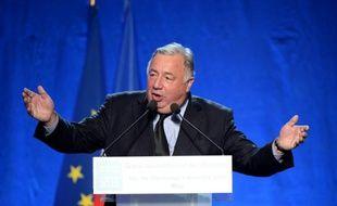 Le président du Sénat Gérard Larcher (Les Républicains) prononce un discours lors de la campagne pour les élections régionales, à Issy-les-Moulineaux, près de Paris, le 9 décembre 2015