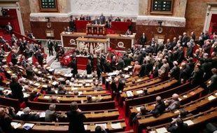 """Le Parti socialiste abrogera les dispositions de la réforme territoriale adoptée définitivement par le Parlement mercredi, et proposera une réforme """"concertée et digne des enjeux de la décentralisation"""", selon un communiqué jeudi."""