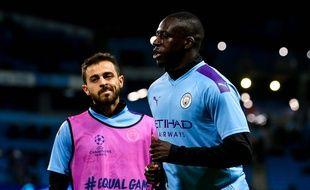 Bernardo Silva et Benjamin Mendy sous le maillot de Manchester City, le 1er octobre 2019.