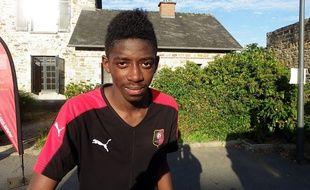 Le jeune attaquant Ousmane Dembélé s'est engagé pour trois ans en faveur du Stade Rennais.